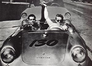 medium_JAMES_DEAN_DANS_PORSCHE.jpg