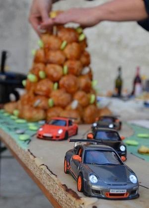 fête de la gastronomie,automobile,cuisine,chocolat,pâtisserie,nouvelles,romans,polars,porsche,bmw isetta,citroën,ds,tube,2cv,cochonou,gâteaux,noël,pâques,alfa romeo,toblerone